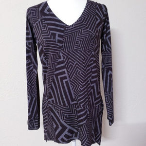 Nally & Millie geometric grey long sleeve tunic M